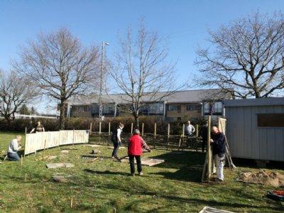 Bygning af bigård i Hedehusene